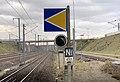 Gare de Lyon-Saint-Ex - panneau bleu et jaune.jpg