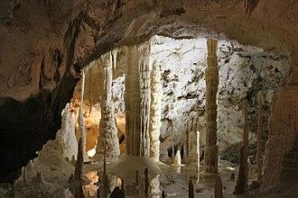 Frasassi Caves - Image: Genga 04