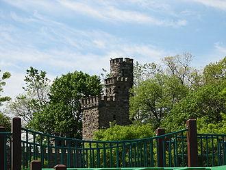 Glen Island Park - Image: Glen Island Castle