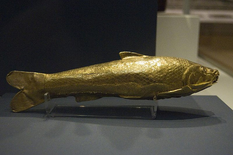 پرونده:Gold fish shaped vessel from the Oxus Treasure by Nickmard Khoey.jpg