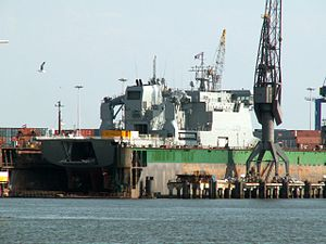 HMNZS CANTERBURY L421 closeup in drydock at Rotterdam, Holland.JPG