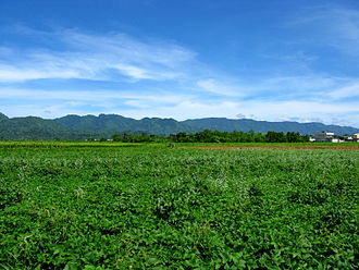 Hai'an Range - Haian Range. A view from the Huatung Valley.