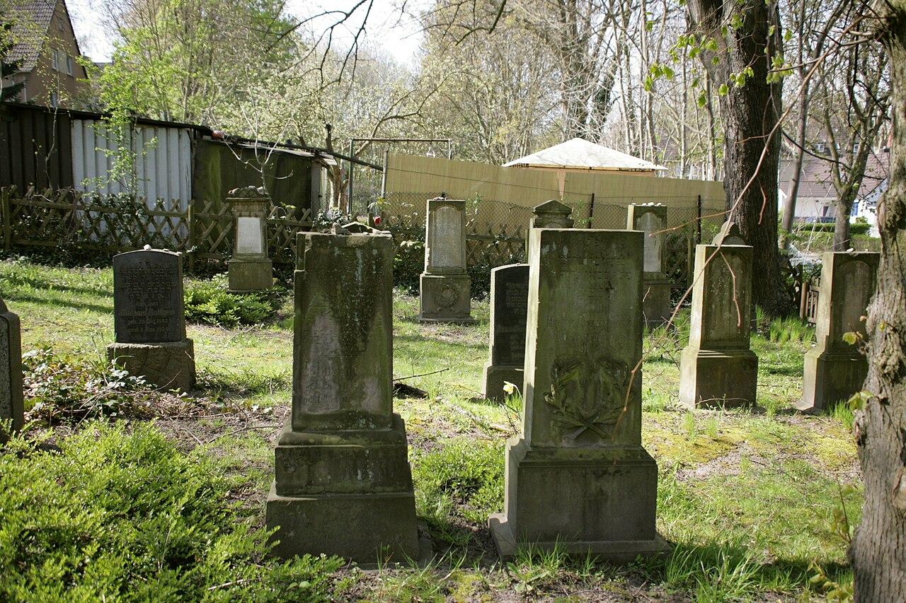 Hattingen - Jüdischer Friedhof 04 ies.jpg