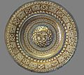 Hispano-Moresque ware.Dish with ombilic.16th c.Lyon.jpg