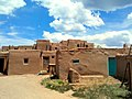 Hlaukkwima (South House), Taos Pueblo, NM - panoramio.jpg