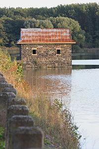 Hráz Litovického rybníka.JPG