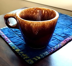 bf56236844d Hull pottery - Wikipedia