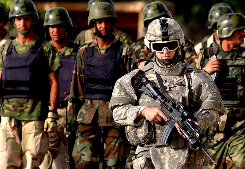 الموسوعة الأكبر لصور و فيديوهات الجيش العراقي 2 - صفحة 2 800px-Iraqi_Police_Officers_Samarra