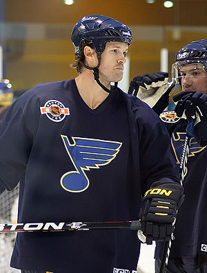 Jason Arnott - Jason Arnott practising with the St. Louis Blues in 2012.