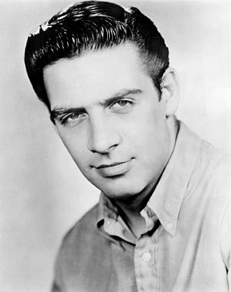 Jerry Orbach - Orbach in a 1965 publicity photo