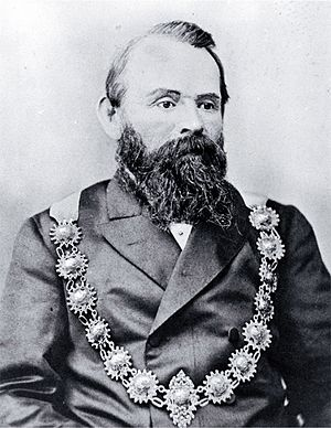 George Ruddenklau - Ruddenklau wearing mayoral chains
