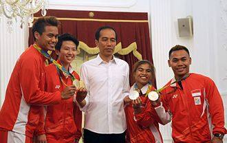 Indonesia at the 2016 Summer Olympics - President Joko Widodo with Indonesian Olympic medalists at the State Palace in Jakarta. Left-right: Ahmad, Natsir, Widodo, Agustiani and Irawan