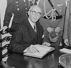 Juan Antonio Ríos - Visit to President Harry S. Truman at the White House, October 11, 1945