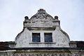 Kamienica przy Piastowskiej 34 - zwieńczenie fasady. fot BMaliszewska.jpg