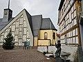 Katholische St. Gertrud-Kirche in Leimersheim mit einem Schiffer im Vordergrund - panoramio.jpg