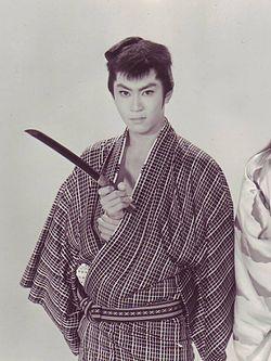 Kin'ya Kitaoji Studio Still from Wakagimi to Jinanbo 1961 Scan10001.jpg