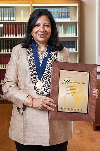 Kiran Mazumdar-Shaw -  Mazumdar-Shaw with the Othmer Gold Medal, 2014