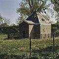 Kruithuis met ingangsportaal - Hellevoetsluis - 20377278 - RCE.jpg