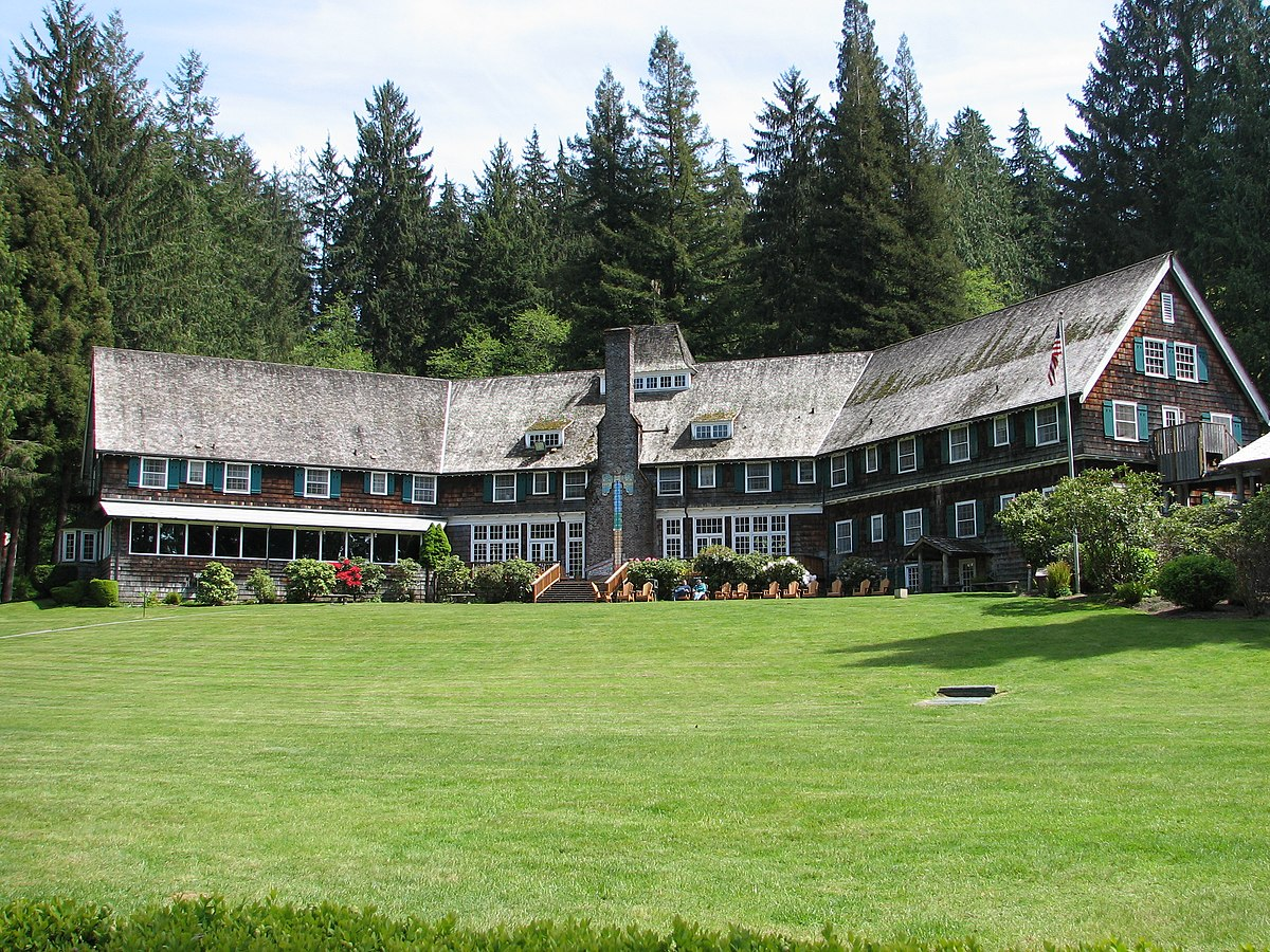 Lake Quinault Lodge.jpg