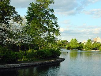 Centennial Park (Nashville) - Lake Watauga is a small artificial lake in Centennial Park.