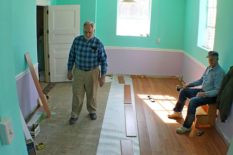 File:Laminate flooring preparation for assembly.JPG