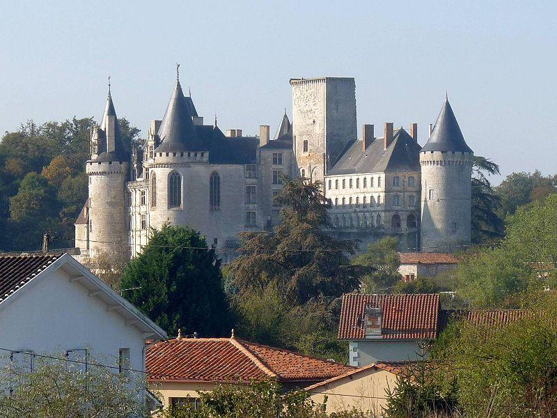 Файл: Larochef castle2.JPG