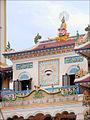 Le grand temple du Caodaïsme (Tay Ninh) (6575967345).jpg