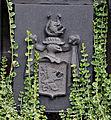 Leupolz Friedhof Grab Schuler Wappen.jpg