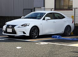 "Lexus IS300h ""F SPORT"" (AVE30) front.JPG"
