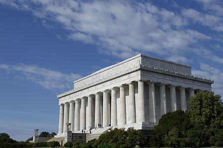 Lincoln Memorial (May 2014).jpg