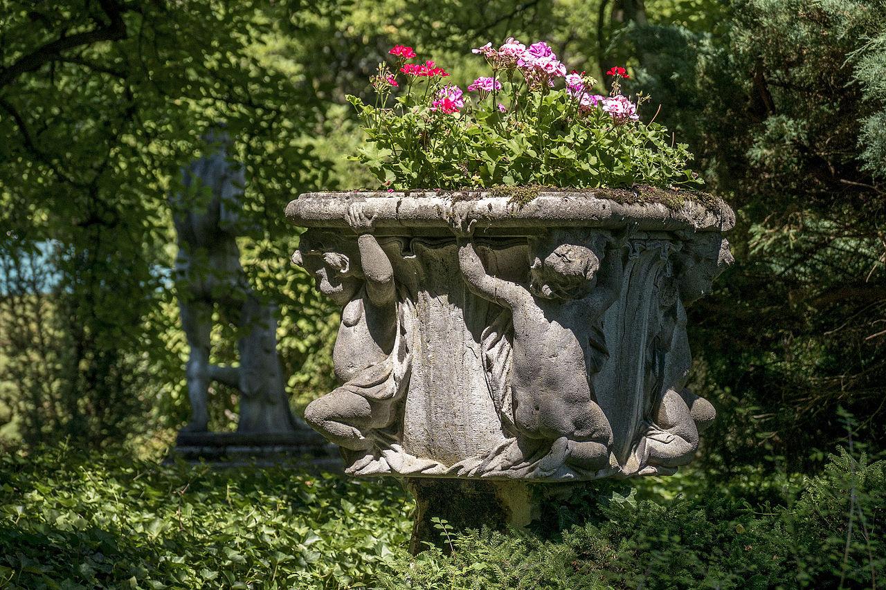 file linz hatschekvilla gartenbaudenkmal 10 jpg wikimedia commons