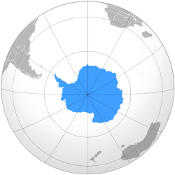 This map uses an orthographic projection, near-polar aspect. The South Pole is near the center, where longitudinal lines converge.