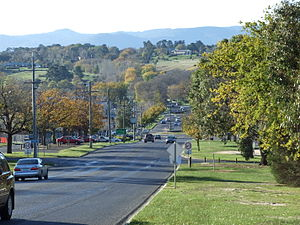 Gisborne, Victoria - View down the main street from the south