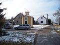 Málkov (BE), kaple se zvoničkou, domy čp. 11 a 12.jpg
