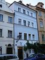 Městský dům U Zlatého koníka (Hradčany), Praha 1, Úvoz 8, Hradčany.JPG
