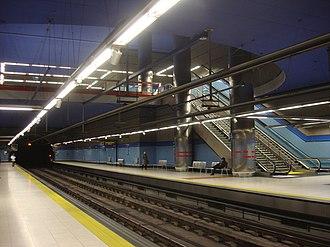 Las Tablas (Madrid Metro) - Image: Madrid Metro Las Tablas Station 029