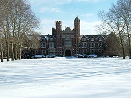 Main Hall at Wagner College in the Winter.jpg