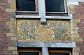 Maison Paul Hankar, rue Defacqz, sgraffite de la façade avec millésime.JPG