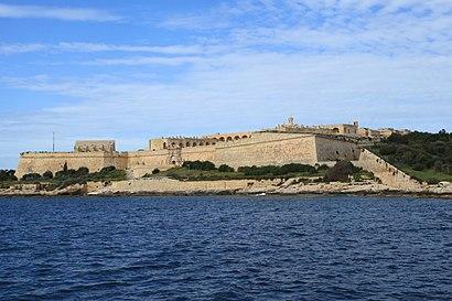 Come arrivare a Fort Manoel con i mezzi pubblici - Informazioni sul luogo