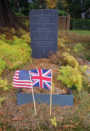 Margaret Campbell, Duchess of Argyll - Grave of Margaret, Duchess of Argyll in Brookwood Cemetery