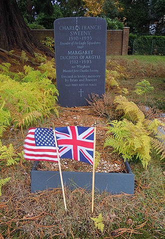 Margaret Campbell, Duchess of Argyll - Grave of Margaret, Duchess of Argyll, in Brookwood Cemetery