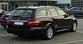 Mercedes-Benz E 220 CDI BlueEFFICIENCY T-Modell Elegance (S 212) – Heckansicht, 14. April 2011, Velbert.jpg