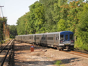 Harlem Line - Image: Metro North M7A 4060 leaves White Plains on Train 465