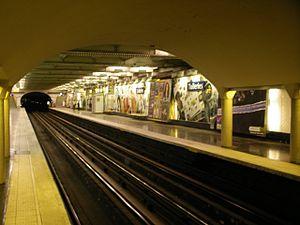 Tuileries (Paris Métro) - Image: Metro tuileries 2