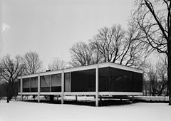 Mies van der Rohe photo Farnsworth House Plano USA 7.jpg