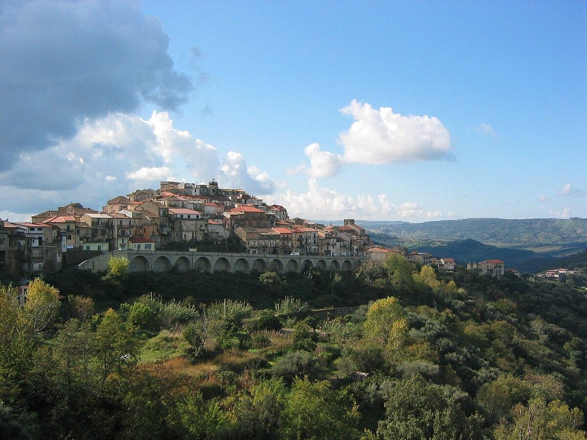 Monterosso calabro wikipedia for Be italia
