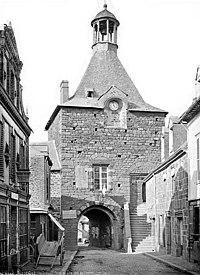 Montfort-sur-Meu - Remparts 1884.jpg