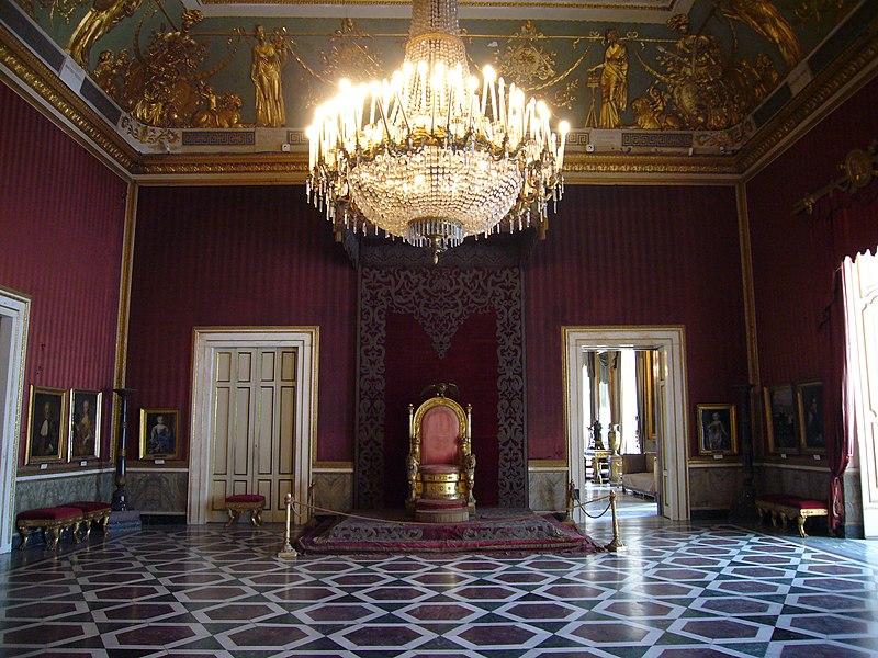 File:Napoli Palazzo reale - sala del trono 1040734.JPG