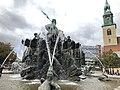 Neptunbrunnen 024.jpg