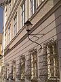 Neue Residenz, Salzburg, Fenster Mozartplatz.jpg